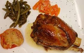 cuisine jarret de porc jarret de porc braisé au miel restaurant l arbre vert la melch