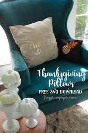 easy thanksgiving pillows with cricut easypress frog prince paperie