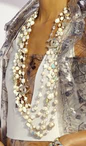 style guide how to wear pearl jewelry fab fashion fix
