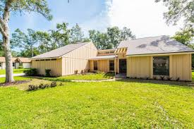 homes for sale in tomoka oaks golf community realtors