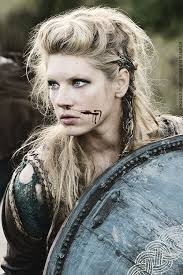 lagertha lothbrok hair braided vikings shieldmaiden lagertha s career as a warrior began when frø