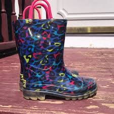 light up rain boots other girls light up rain boots poshmark