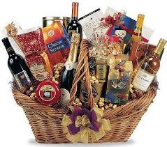 liquor gift baskets best 25 gift baskets ideas on gifts