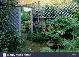 28 walled garden design walled garden mediterranean petanimuda