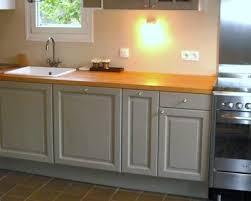 peindre une cuisine rustique repeindre des meubles de cuisine rustique en bois deco cool brillant