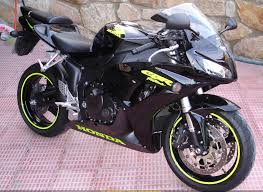 2006 honda cbr 1000 rr change the lime green to pink and i u0027ll take