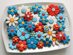 Easy Icing Flowers - my favorite shade of blue and tips for coloring royal icing u2013 the