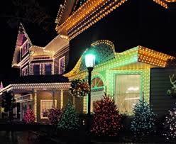 how to put christmas lights on a christmas tree correctly how to put christmas lights on tall outdoor trees davey blog