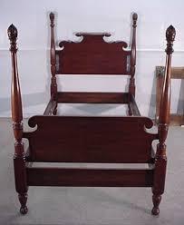 Delongs Furniture Henkel Harris Cherry Twin Size Bed - Harris furniture