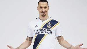 Zlatan Ibrahimovic Zlatan Ibrahimovic Still Injured I Give Him An A Plus Says His