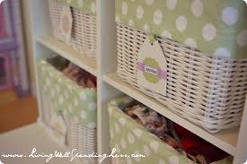 clothing baskets with cute labels how i get my kids to clean how i get my kids to clean their room clothing baskets with cute labels how i get my kids to clean their room via livingwellspendingless com kids