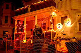 Halloween House Lights Where To Find The Creepiest Halloween Decorations Around Boston