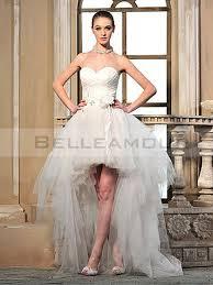 robe mari e courte devant longue derriere de mariée moderne courte devant longue derrière fleur tulle volant