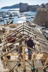 leonardo dicaprio u0027s robin hood remake set construction begins in