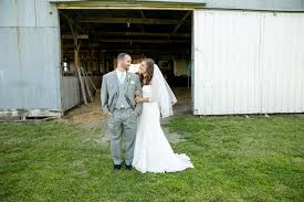 Wedding Barns In Missouri A Shabby Chic Wedding At The Red Door Barn In Webb City Missouri