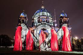 hamburg festival of lights mythical sculptures celebrate fall of berlin wall in germany