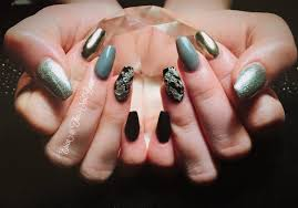 essentialnails on topsy one