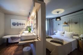 chambre d hote eygalieres gites chambres d hotes eygalières l auberge de l aubergine