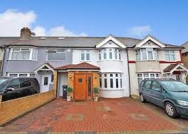 One Bedroom Flat For Sale In Hounslow Property For Sale In Heston Buy Properties In Heston Zoopla