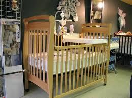 quand préparer la chambre de bébé preparer chambre bebe tradesuper info