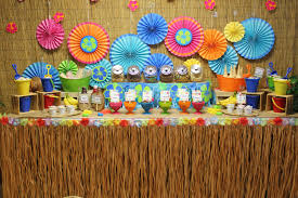 luau table centerpieces diy party table decoration for birthday party ideas 1000 ideas