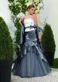 robe de mariã e grise et blanche robes de mariage grises