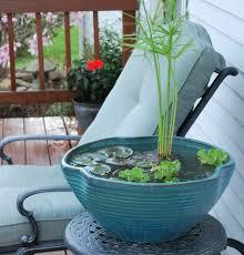 miniteich balkon miniteich anlegen kleine oase auf dem balkon kreieren