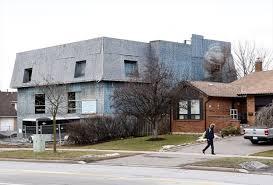monster house com court orders homeowner to demolish brton s monster house