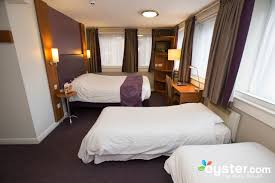 Quad Family Room Photos At Premier Inn London Euston Oystercom - Premier inn family rooms