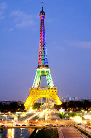 the eiffel tower plays dress up the wolf will travel