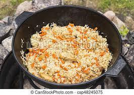 cuisine ouzbek ouzbek national chaudron fonte plat pilaf riz ouzbek image