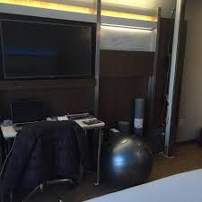 chambre a é l hôtel tres bien situé à 100m du métro penne station personnels