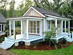Backyard House Ideas Backyard Guest House With Bathroom Glassnyc Co