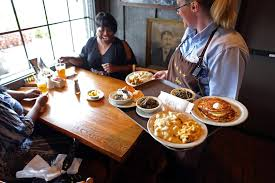 cracker barrel profit rises on higher menu prices wsj