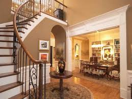 good indrustrial entry foyer with black leather bench and round
