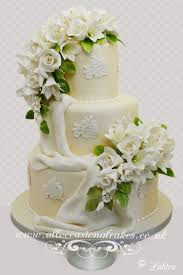 luxury flower spray wedding cake great cakes pinterest