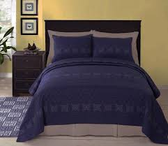 Navy Blue Coverlet Queen Rosaline Navy Blue Matelasse Quilt Coverlet Set Paired With White