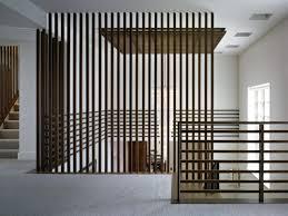 gitter treppe vertikales geländer moderne treppen gestalten pinteres