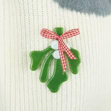 christmas mistletoe handmade fused glass mistletoe christmas brooch by irena