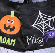 personalized trick or treat bags 4 diy trick or treat bag ideas simplemost