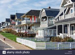 charming cottage houses along ocean park oak bluffs martha u0027s