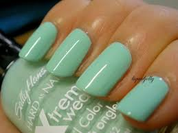 review sally hansen xtreme wear nail polish in mint sorbet
