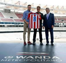 Tom Cruise Home by Atletico Madrid Show Tom Cruise And The Cast Of The Mummy Into