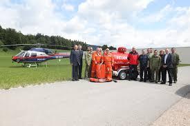 Feuerwehr und Flugpolizei stellten Kerosin Tankanhänger beim