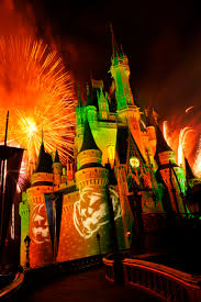 halloween light shows 5 reasons you u0027d love to spend halloween at walt disney world