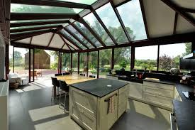 cuisine sous veranda aménager une cuisine dans une véranda travaux com