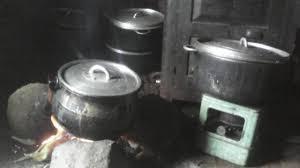 ustensiles de cuisines file ustensiles de cuisine cuisine traditionnelle à bafoussam au