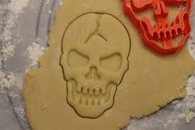 halloween cookie cutter cracked skull creepy halloween yummy