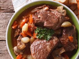 cuisiner du paleron de boeuf boeuf braisé aux carottes recette de boeuf braisé aux carottes