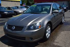 2006 nissan altima 2 5 s 4dr sedan w automatic in clinton township